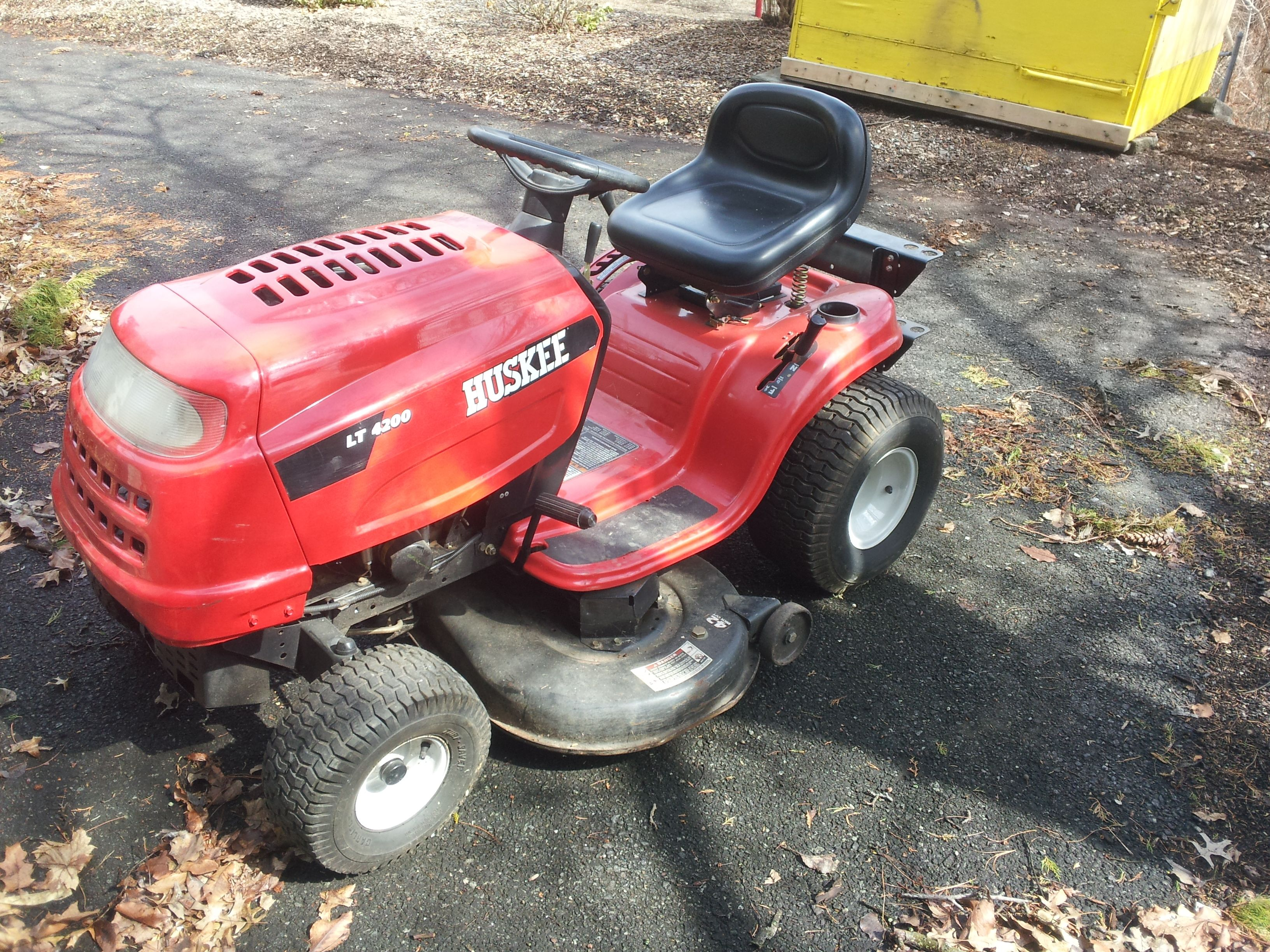 small resolution of huskee lt 4200 riding mower for sale on municibid com