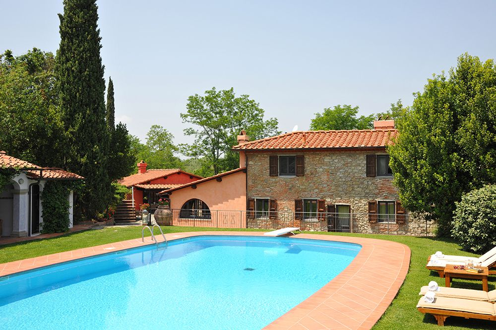 Vaggio Savernano - Luxury, rambling and welcoming farmhouse in a beautifully maintained garden just 40 mins from Florence. www.tuscanynow.com