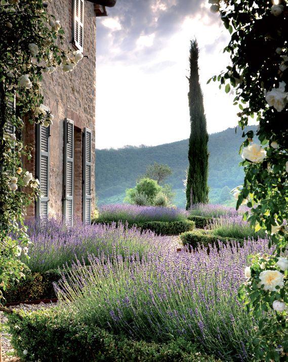 Al castello di reschiovillegiardini giardino giardini for Giardini di campagna