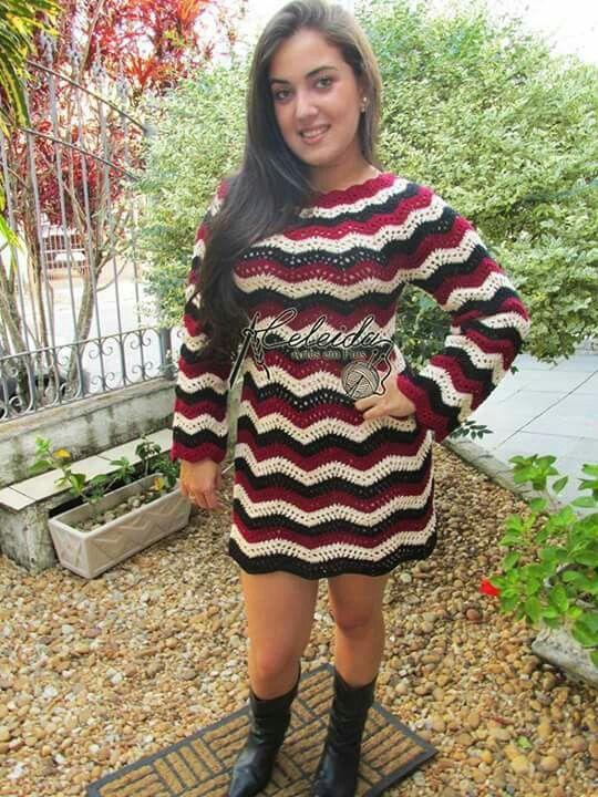 Vestido simples e de muita elegância!!!!!!