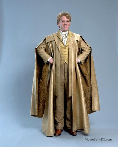 Harry Potter And The Chamber Of Secrets Promo Shot Of Kenneth Branagh Harry Potter Robes Harry Potter Costume Harry Potter Outfits