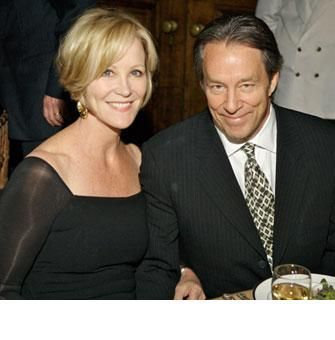 Joanna Kerns & Marc Appleton Mom hairstyles, Short hair