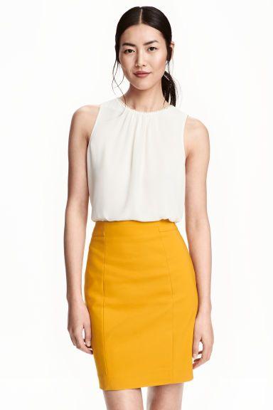 34fffc534 Falda de tubo corta | skirt outfit | Faldas tubo, Faldas cortas tubo ...