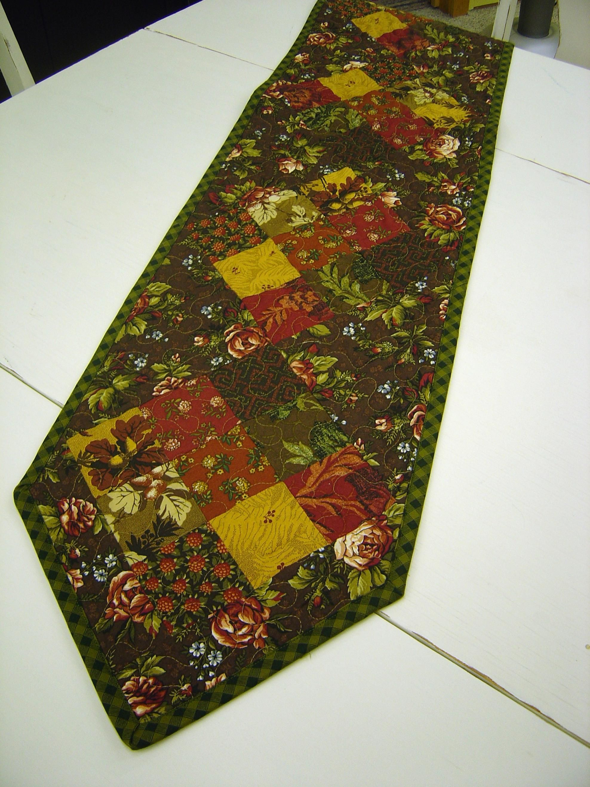 Simple Table Runner Patterns | Pdf, Patterns and Sewing projects