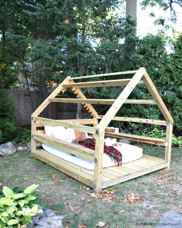Build An Outdoor Cabana Lounge Cabane Jardin Amenagement Jardin Salon De Jardin Palettes