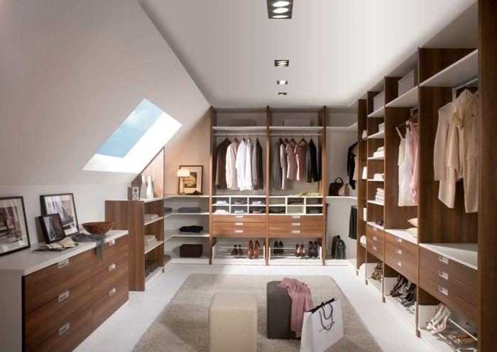Gestaltung Ankleidezimmer ~ Kleiderschrank design ankleidezimmer ideen dachschräge hocker