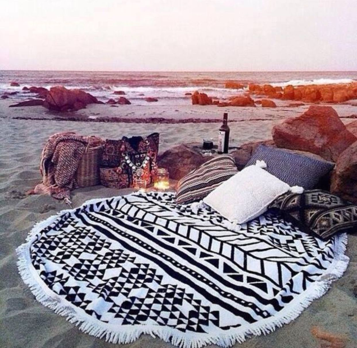 Beach Blanket Date: Dream Engagement Setup (in A Forest Of Course) #dreamdate