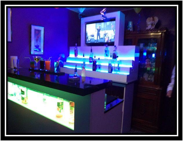 Barra de bar, con estante de botella e iluminación led rgb