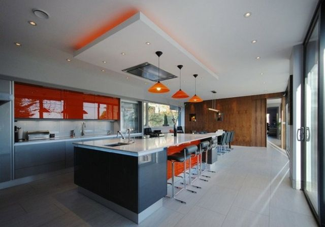 Cuisines design 110 id es pour un am nagement tendance for Idee faux plafond design