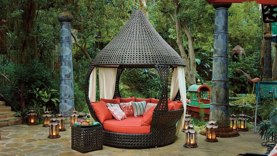 patio outdoor unusual patio furniture wicker canopy daybed round terra cotta mattress. Black Bedroom Furniture Sets. Home Design Ideas