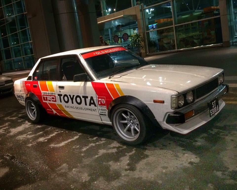 Pin Oleh Gustavo Cabezas Di Toyota Classic Cars Sedan Mobil Kereta