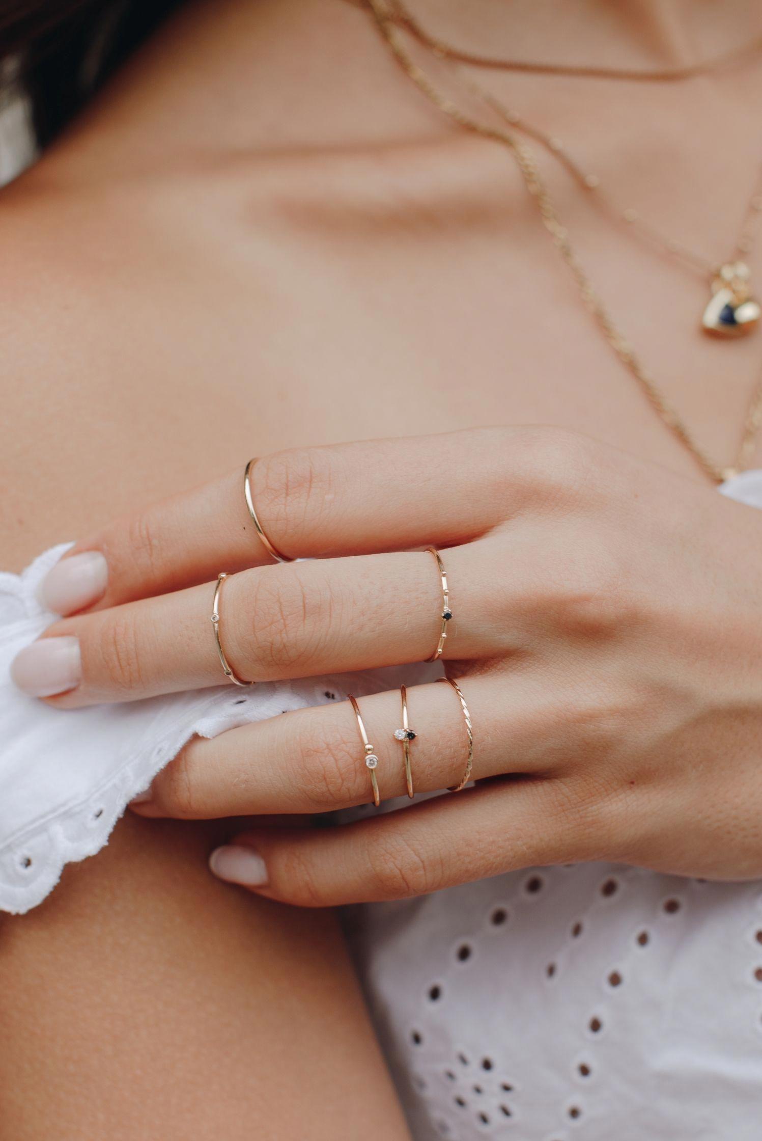 Brincos de prata Peridot ~ pequenas joias oval bonito cor