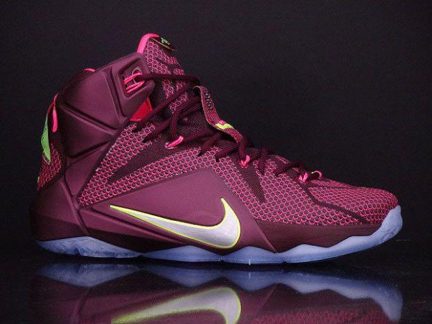 new arrival 65acd f2afa Nike LeBron 12
