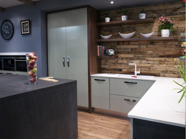 Timber cladding and open shelving turn a plain kitchen for Kitchen designs port elizabeth