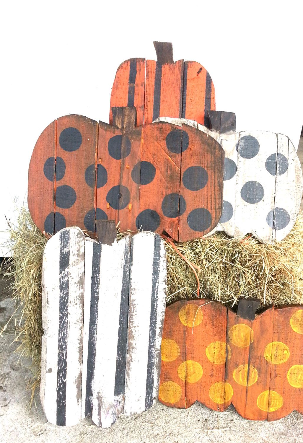 pumpkin decor outdoor rustic wood halloween pumpkins