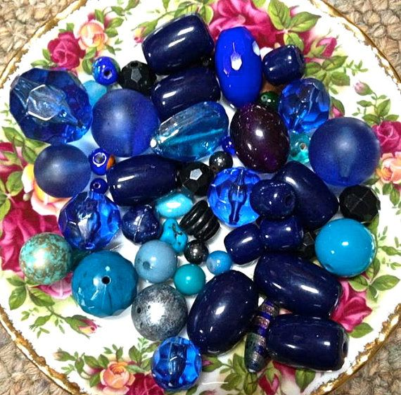 Vintage blue bead mix   mixed lot  drw425  jewelry by pinksupply, $6.50