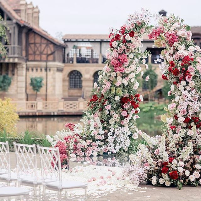 Wedding Altar Meaning: This Lush #floralarch And Its Charming Surroundings Make