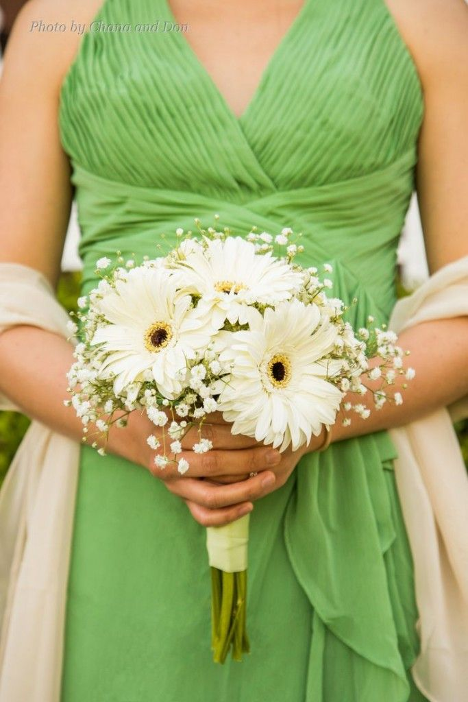 Bridesmaids Bouquet Of White Gerber Daisies And Baby S Breath