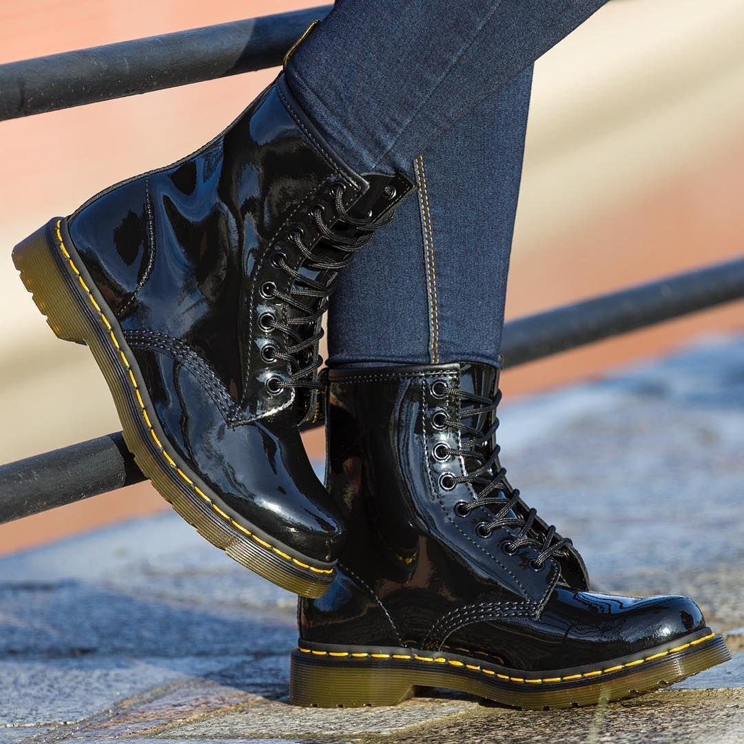 Dr Martens 1460 Black Patent Co Sadzicie Drmartens Martens Blackpatentleather Martens1460 Sal Black Boots Combat Boots Dr Martens Boots