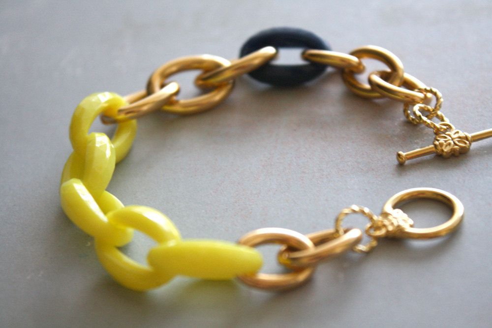 Arm Candy - bright neon yellow navy blue and gold link bracelet by Ngan on Etsy.