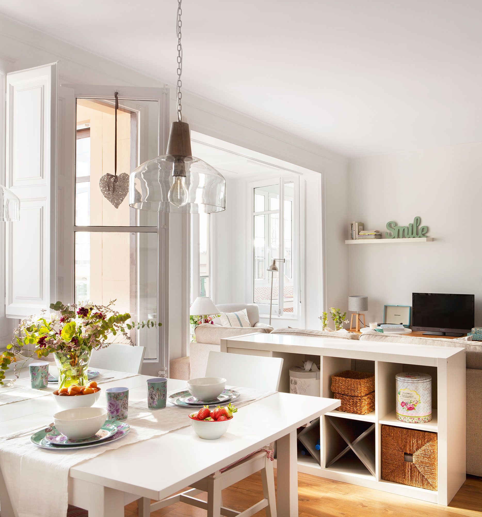 En el office casa mueble salon ikea muebles de for Ikea muebles salon comedor