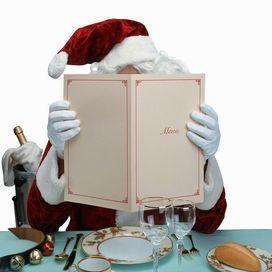 Tutte a dieta prima delle feste  Non si tratta di rinunce alimentari pre o post natalizie. Ma di consigli dietetici suggeriti dall'esperto per affrontare il periodo cenoni in linea e... godimento
