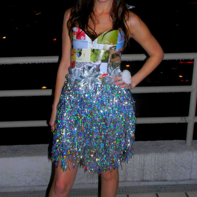 Tinsel skirt..abc party idea & Tinsel skirt..abc party idea | party decorations and costumes ...