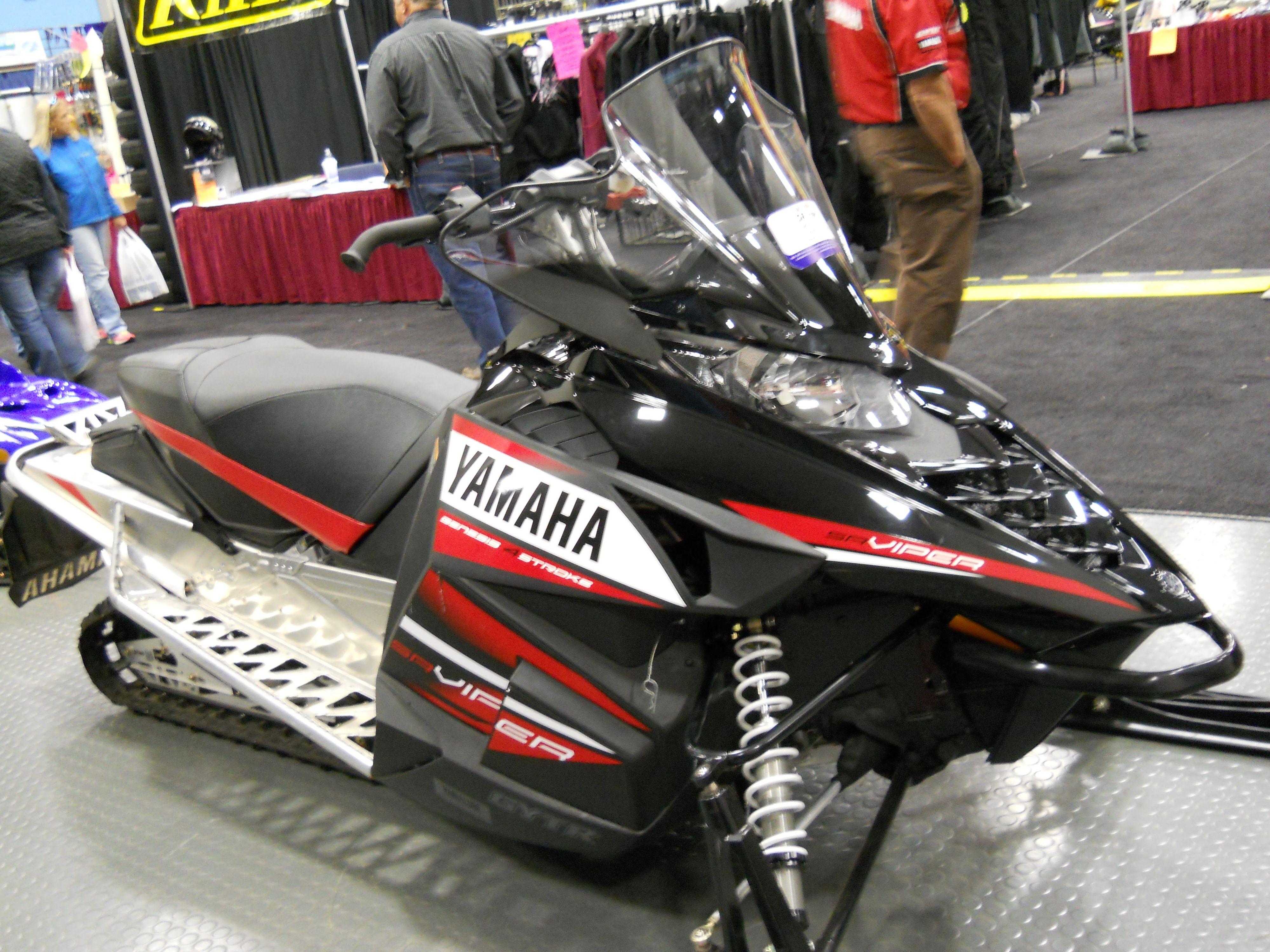 Sr viper yamaha genesis 4 stroke high performance snowmobile https www youtube