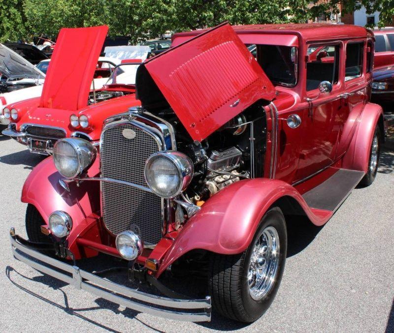 1929 Dodge 4-Door Sedan Street Rod.