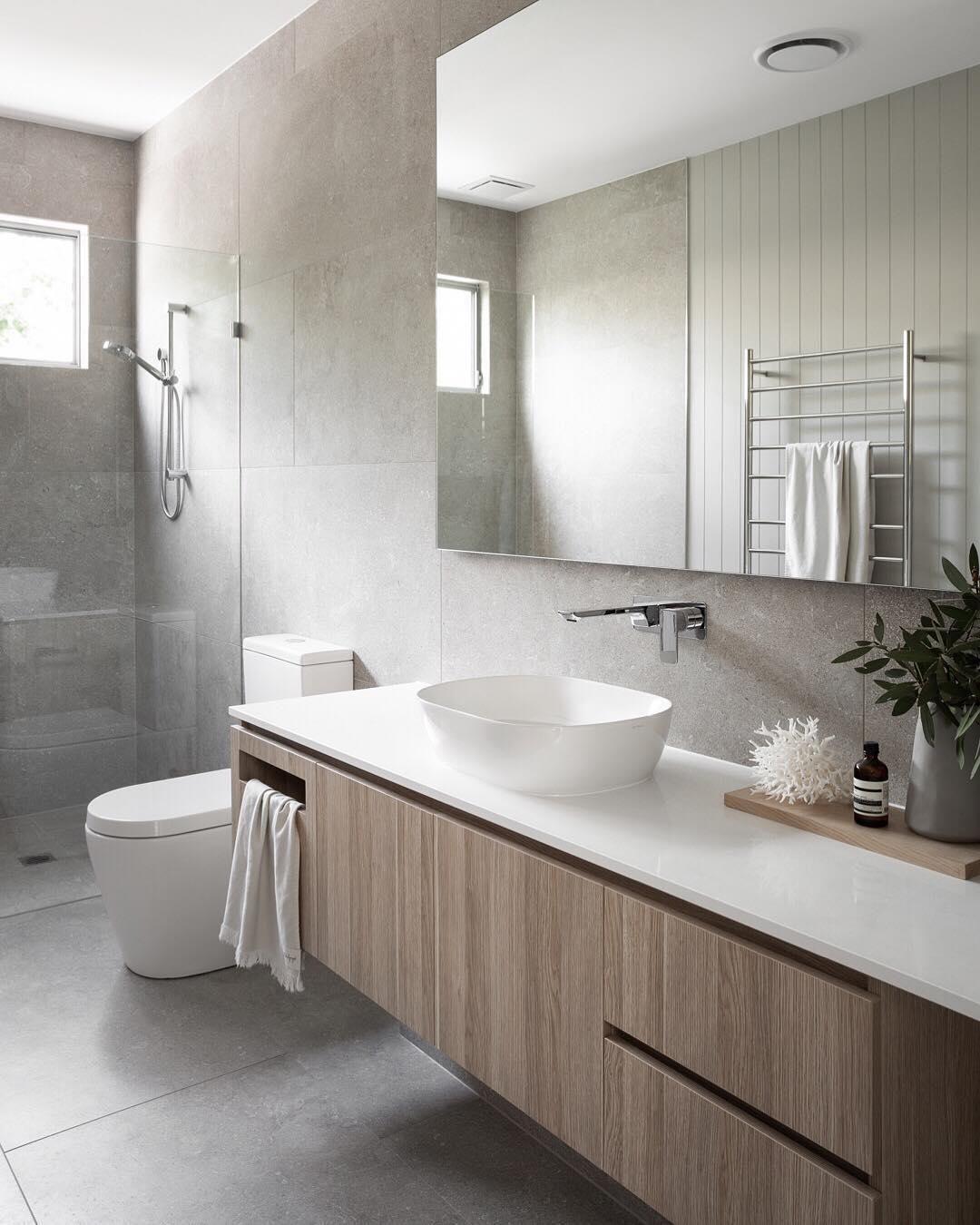 36 Tips For Choosing The Right Bathroom Tile Designs Trends Ideas Bathroom Bathroomi In 2020 Bad Fliesen Designs Modernes Badezimmerdesign Badezimmereinrichtung