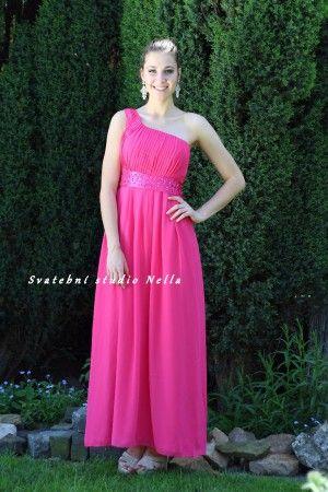 Růžové pink dlouhé plesové společenské šaty. Ceny na www.svatebninella.cz  plesové  šaty b5ca3055cc