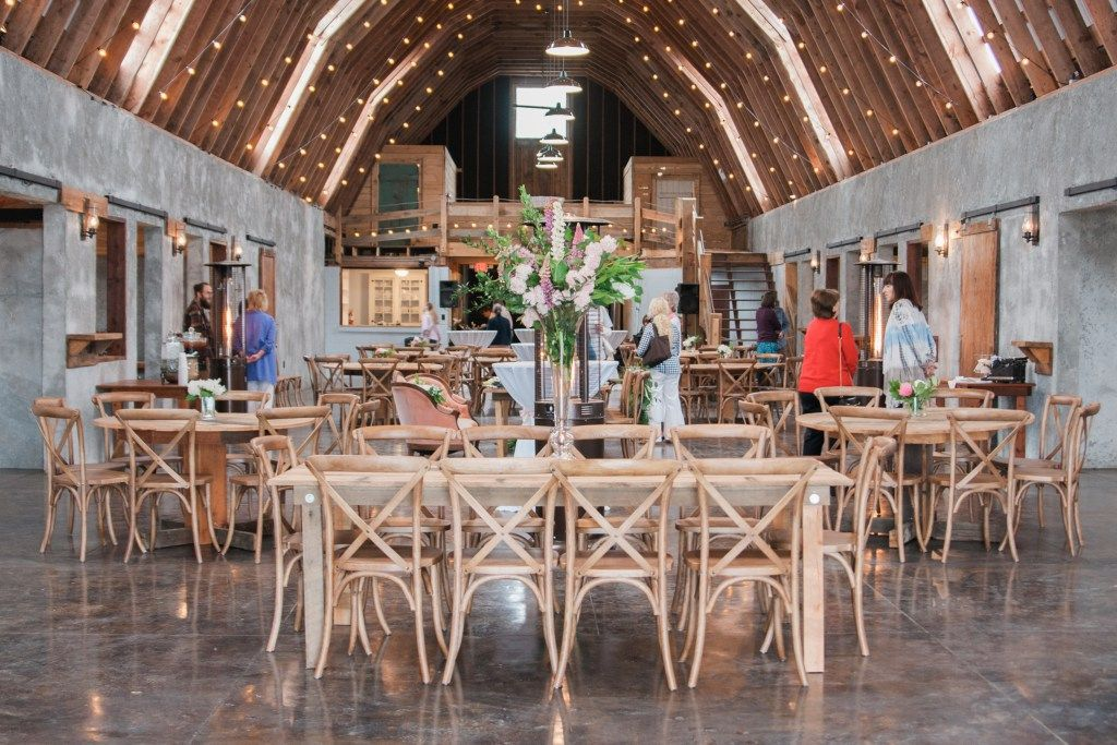 Overlook Barn Grand Opening: A New NC Wedding Venue   Photos by ...