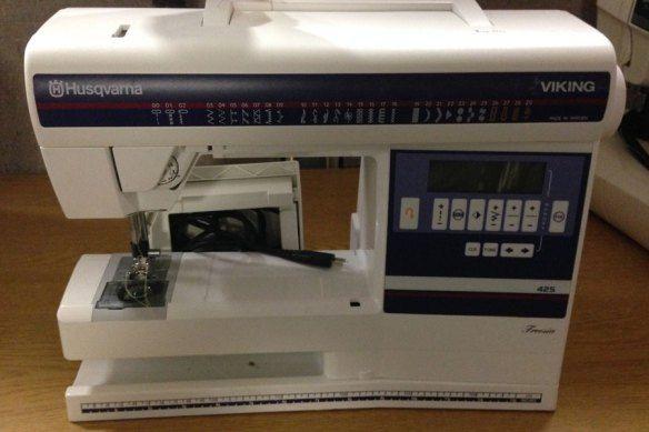 Husqvarna Viking Freesia 40 Sewing Machine It's 40 Years Old Or So Stunning Husqvarna Viking Freesia 425 Sewing Machine