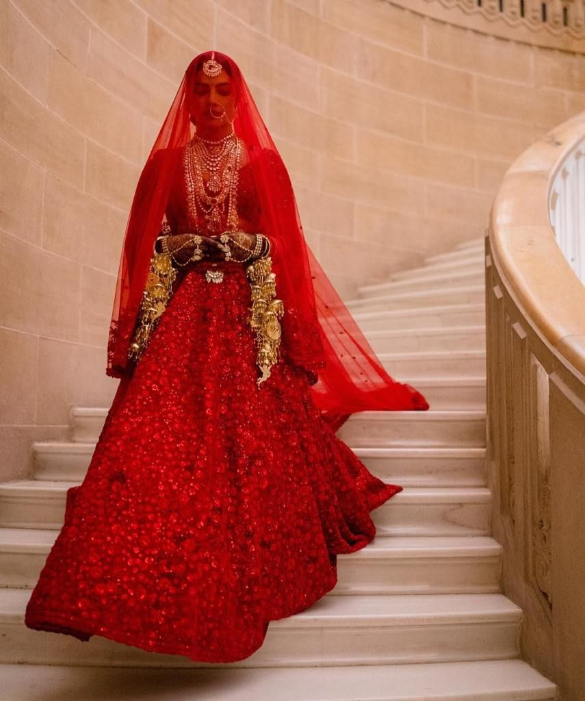 Get Priyanka Chopra S Red Lehenga On Budget Bridal Lehenga Red