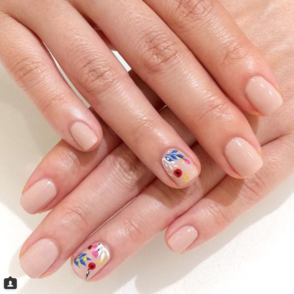 20 Amazing Nail Art Designs To Try This Year Classic Nails Manicure Floral Nail Designs