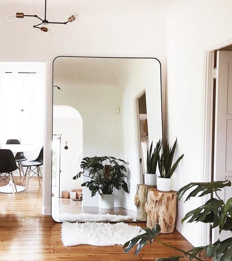 Le Miroir Xxl Pour Un Interieur Lumineux Et Plus Affirme Ideo En 2020 Idee Deco Deco Entree Maison Idee Deco Entree