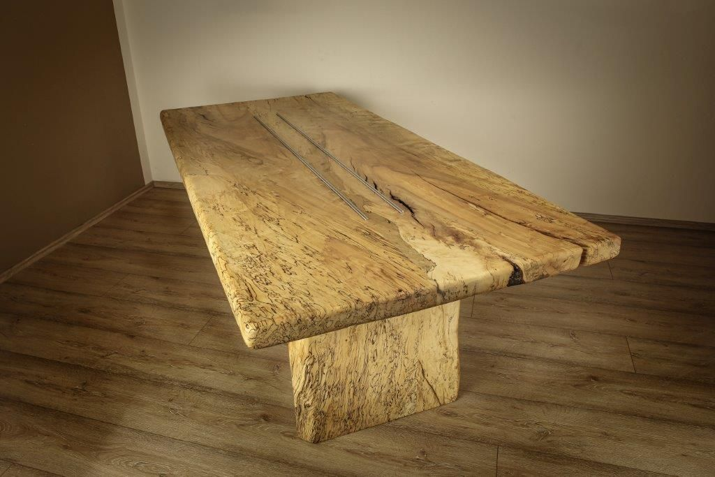 massiver Tisch aus unseren Picasso Tischplatten made by Furniture Lachner