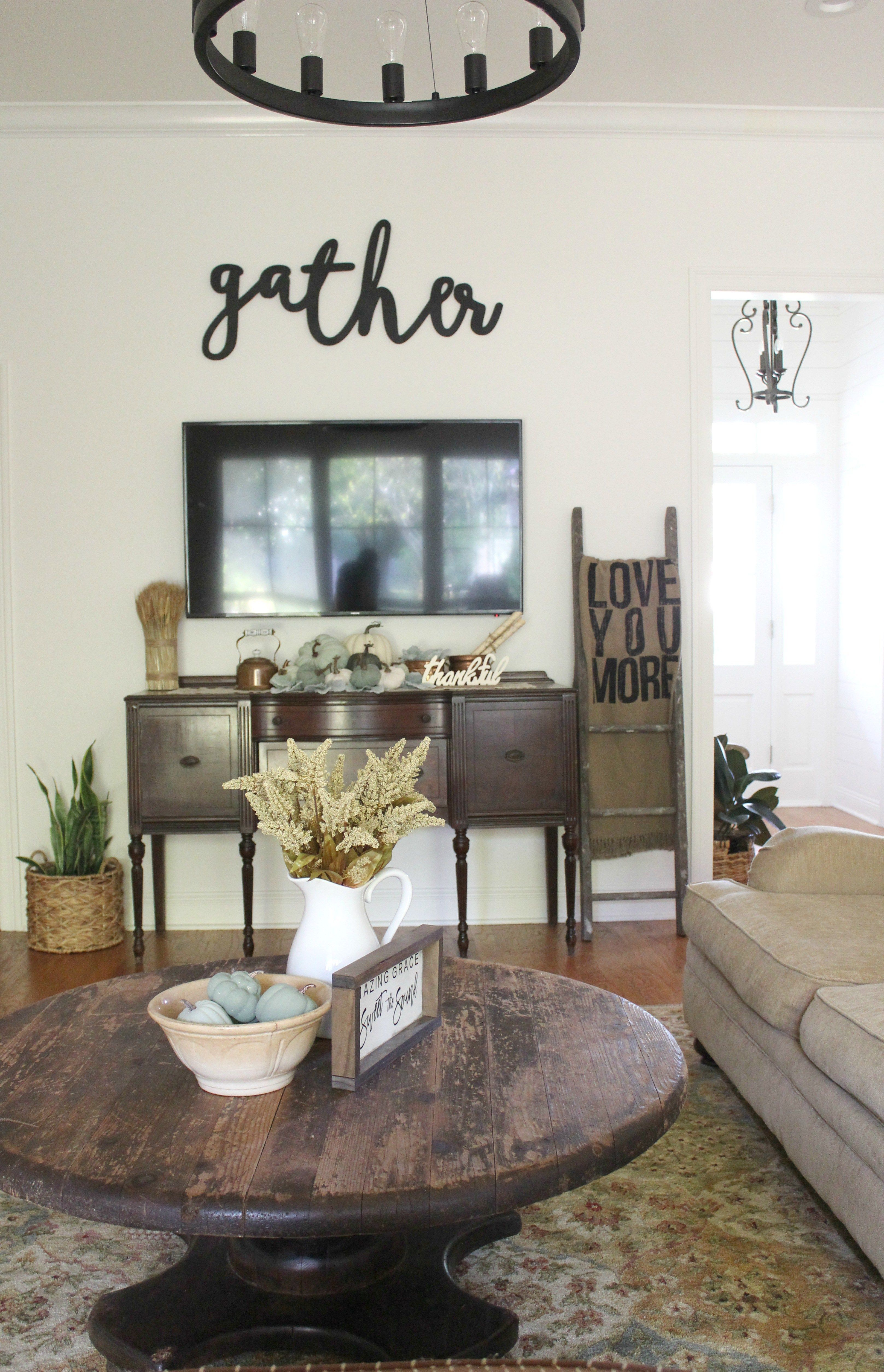 Learn how to create a farmhouse living room on a tight ...