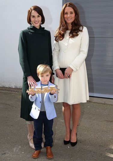 Kate Middleton visits the set of Downton Abbey, in pictures | Lady ...