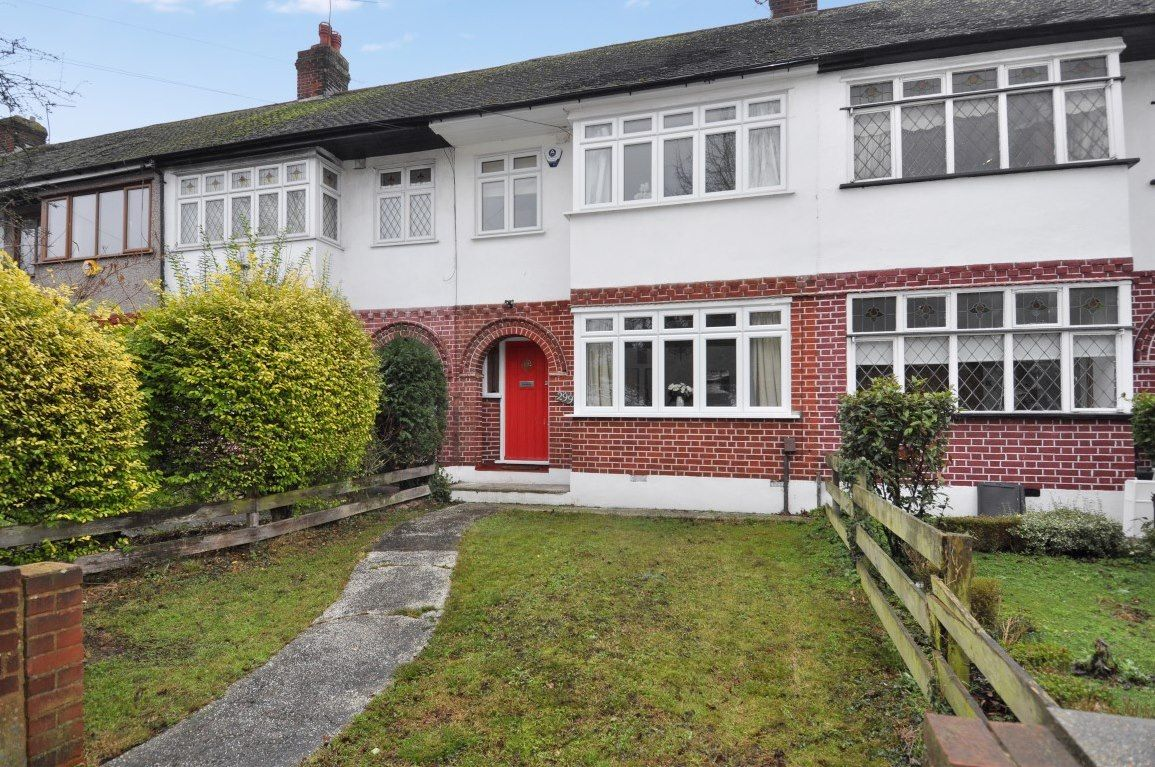 Property in Chigwell Road, Woodford Green Property