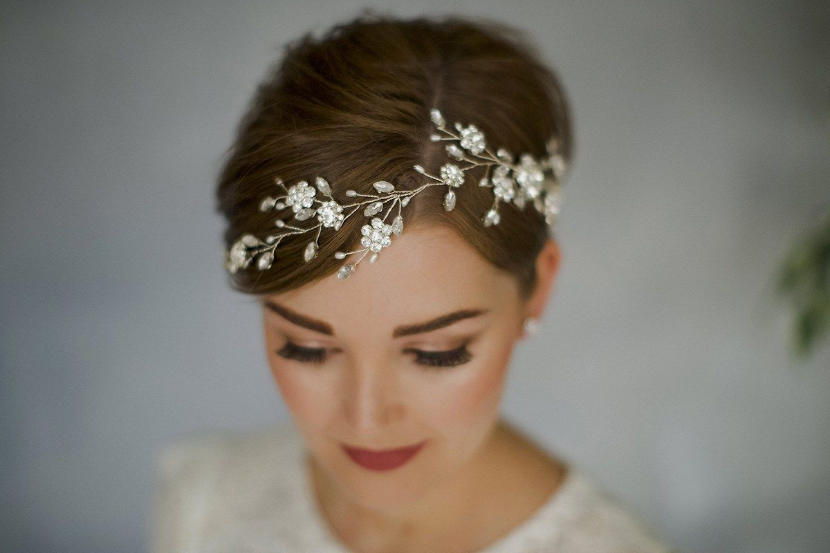 How To Style Wedding Hair Accessories With Short Hair Short Hair Bride Pixie Wedding Hair Bohemian Bridal Hair
