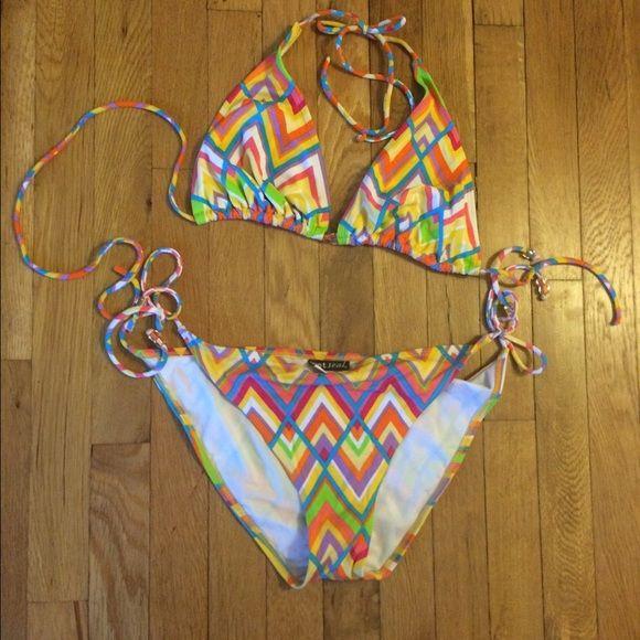 ZigZag Bikini Nwot. Bright neon bikini. Wet Seal Swim Bikinis