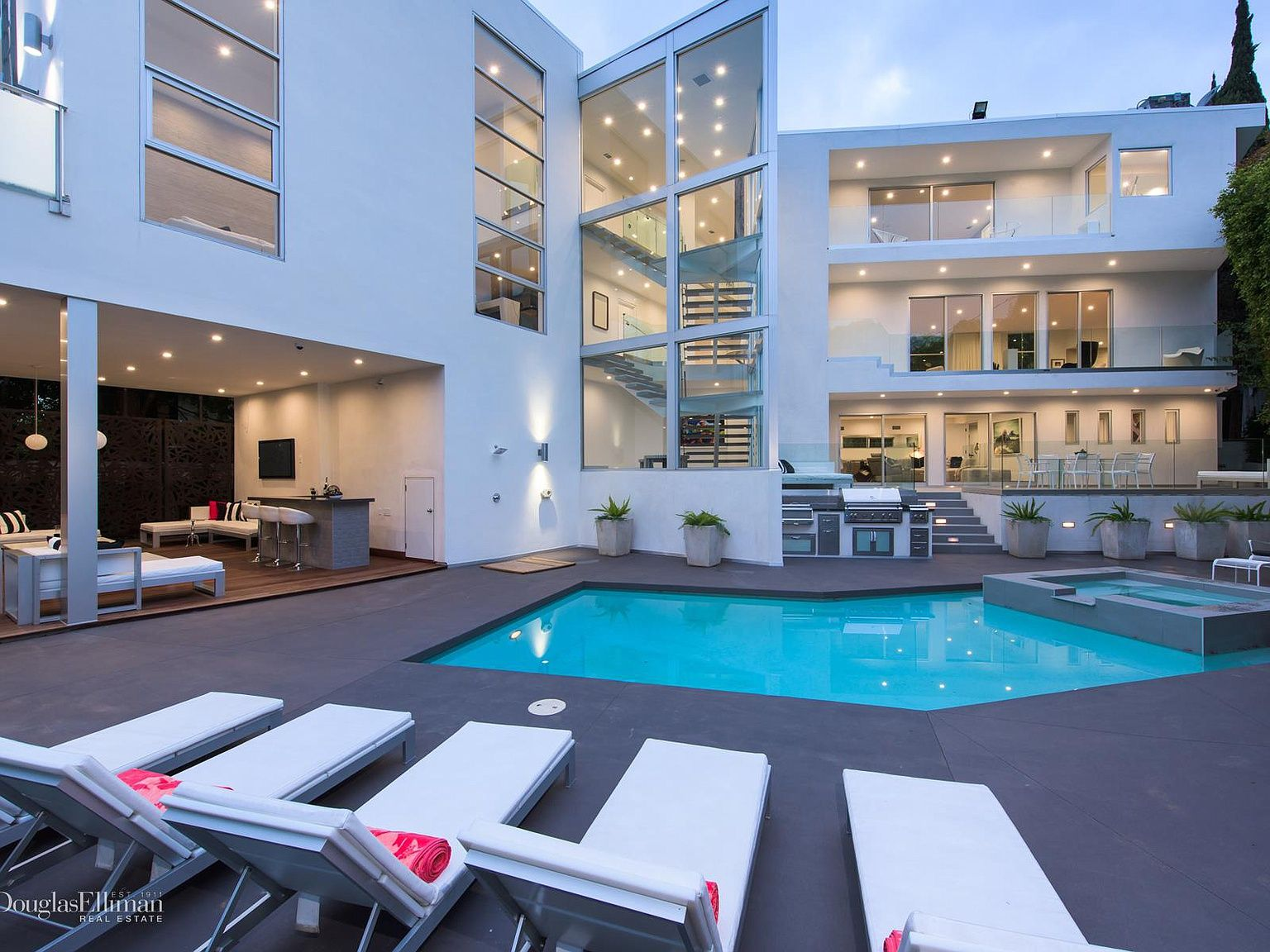1162 Sunset Hills Rd West Hollywood Ca 90069 Mls 19450666 Zillow Los Angeles Homes Modern House Sunset Hills