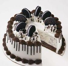 Oreo ice cream cake! My favorite!