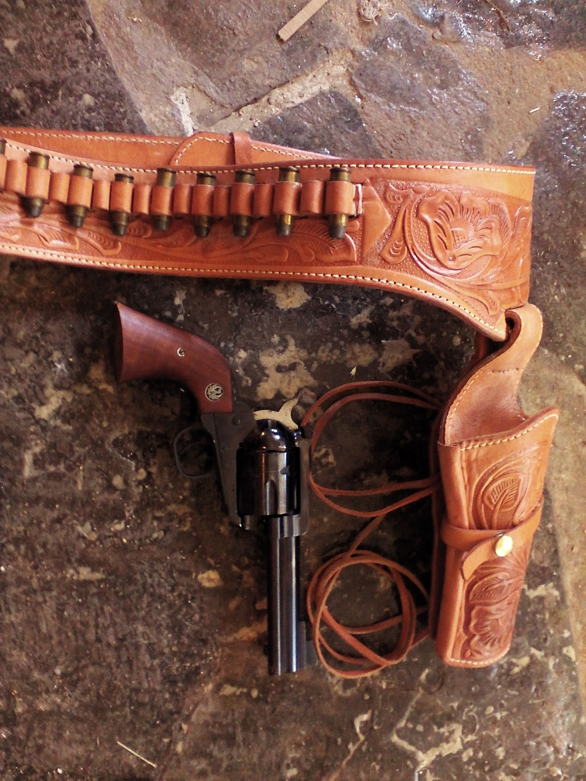 Ruger Blackhawk 45 long colt With Mexican holster | Guns and Gear