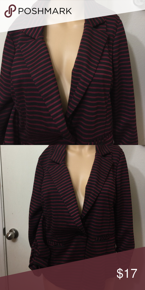 Burgundy and black stripped blazer Blazer size XL Jackets & Coats Blazers