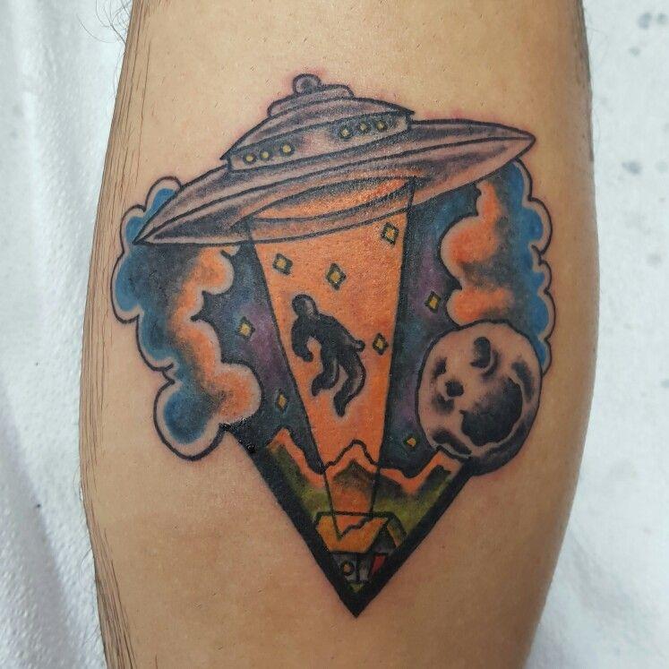 UFO abduction Daisylutattoo