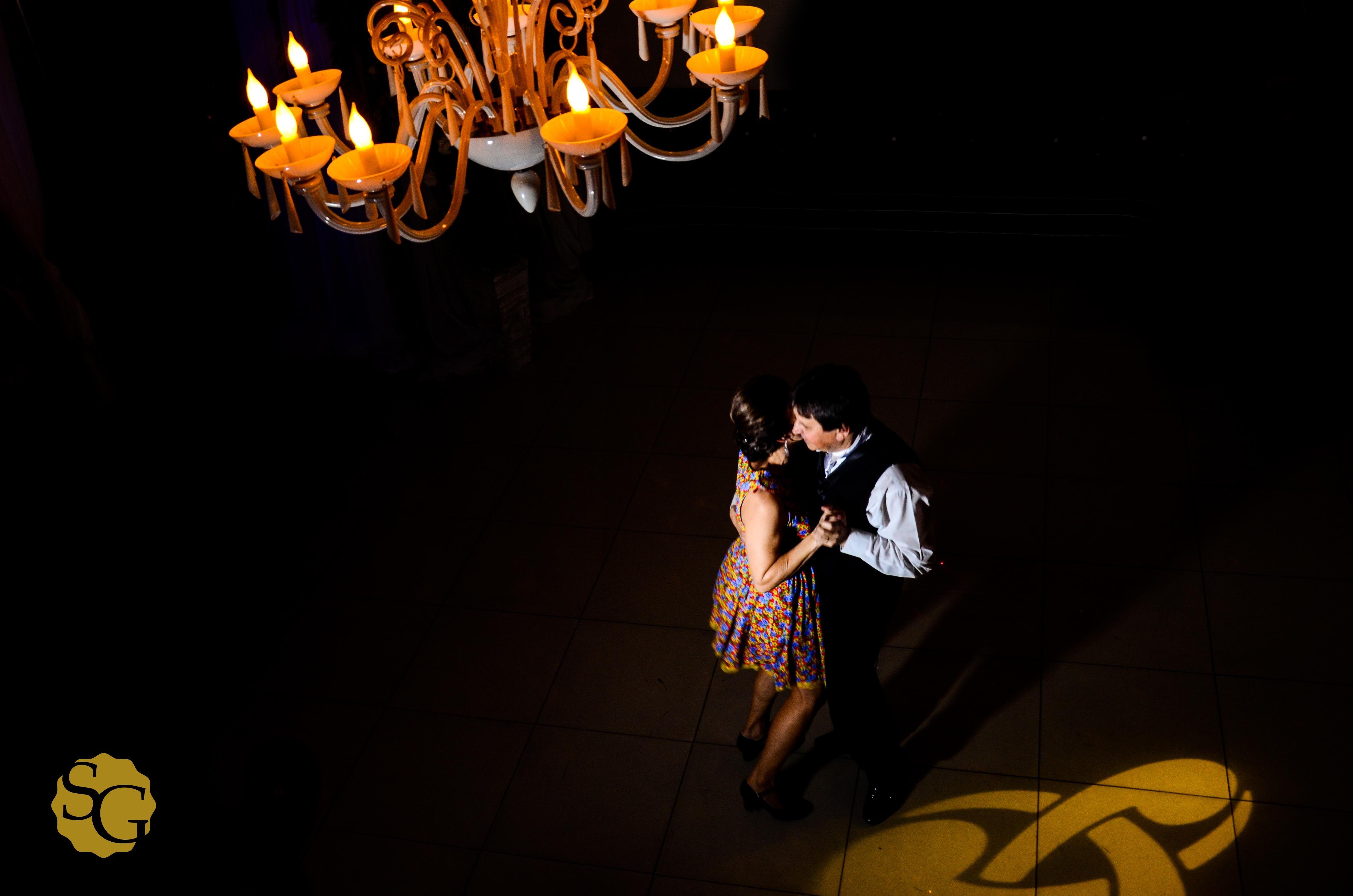 Ana e Marcio  #sergiogaeta #wedding #fotojornalismodecasamentosp #fotoscriativas #buffetstpaul #fotografiabodas  #bodasdeprata #25decasamento #fotojornalismo