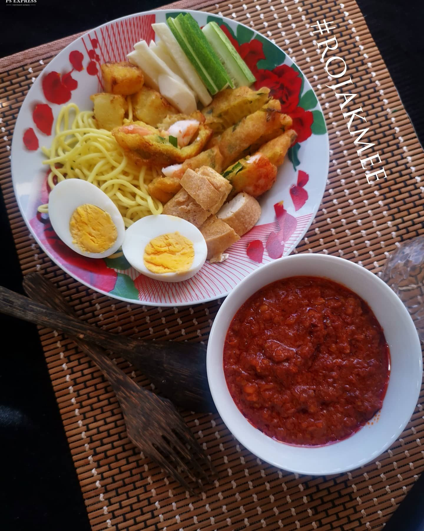 Rojak Mee This Recipe Was From My Neighbour S Grandma Back In Simpang Renggam It S Our Favourite Rojak Mee Back In The Days In 2020 Cooking Recipes Cooking Recipes