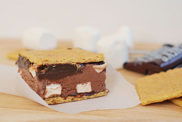 S'mores Ice Cream Sandwiches by fakeginger, via Flickr